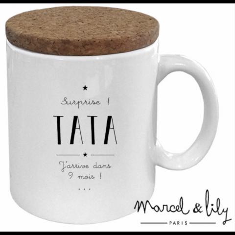 "Mug couvercle en liège ""Surprise Tata"""