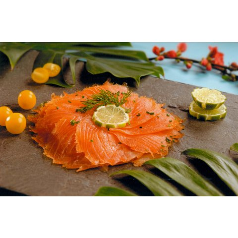 Filet de saumon fumé tranché. 1 kg